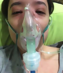 Durante el tratamiento de la alergia, no me sentí yo misma. Con oxígeno, nebulizaciones e intravenosa